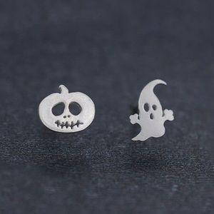 Small Pumpkin Ghost Earrings. New!!